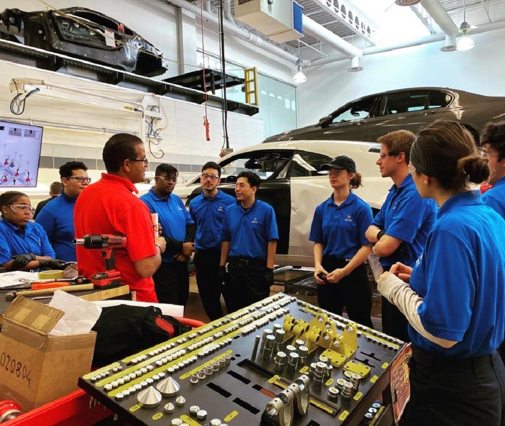 Car Bench Training for the BMW of North America STEP program 2019